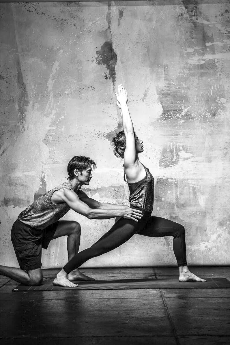 Simon Park Virabhadrasana_Yogamelange